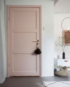 Green and Pink Accents in a Beautiful Swedish Family Home (my scandinavian home) - Home Dekor Pink Paint Colors, Bedroom Paint Colors, Pastel Bedroom, Pink Bedrooms, Door Design, House Design, Pink Accents, Pink Accent Walls, Painted Doors