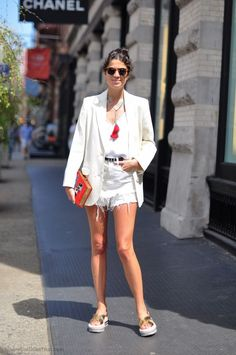 How cute is Leandra Medine? I want a loose fit blazer just like Hers.