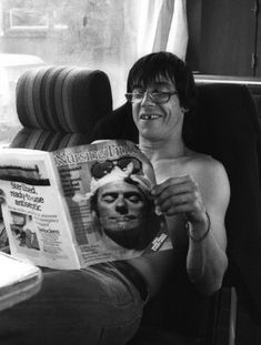 Iggy Pop on a Leeds tour bus in March 1981. S)