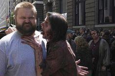 Robert Kirkman, creador de 'The Walking Dead', demandado por su exsocio http://www.europapress.es/tv/noticia-robert-kirkman-creador-the-walking-dead-demandado-exsocio-20120809135736.html