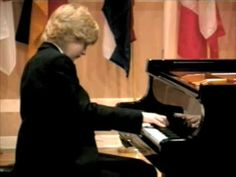 Jan Lisiecki - Chopin Andante Spianato and Grande Polonaise 1 - YouTube