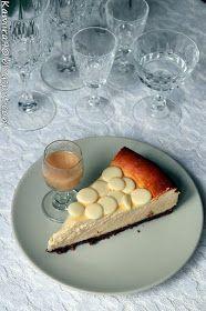 Bardzo delikatny sernik z ajerkoniakiem na ciasteczkowym spodzie z czekoladą, z każdym kolejnym kawałkiem rozpływa się w ustach. S...