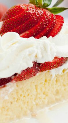 Strawberry Tres Leches Cake ~ Takes the classic combo of strawberries and cream to a new level… Berries are a perfect match for this rich and creamy cake! Desserts Menu, Homemade Desserts, Homemade Cakes, Cake Recipes, Dessert Recipes, Tres Leches Cake, Cupcake Cakes, Cupcakes, Strawberries And Cream