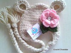 Gorrinho em crochê para meninas, feito em linha verão ou lã antialérgica, de acordo com a preferência da cliente.  Cores e tamanhos a combinar  Gorrinho ursinha baby