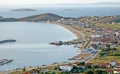 Marmara Denizi'nde bulunan ve Balıkesir'e bağlı bir ada olan Avşa Adası (Türkeli Adası), Marmara'nın önemli yaz turizmi merkezlerinden biri. Erdek'e gemiyle yaklaşık 2 saat, İstanbul'a ise deniz otobüsüyle 2,5 uzaklıkta olan Avşa Adası, Kapıdağ Yarımadası'nın uzantısında oluşan adalar grubunda yer alıyor.