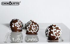 Chokolatta / Cake Pops by Andiesantillan, via Flickr