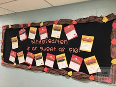 Make fall fun with a writing assignment so sweet it's sure to please and then display the sweet show of student success! New Classroom, Classroom Displays, Classroom Decor, Easy Bulletin Boards, Bulletin Board Borders, Fourth Grade, Second Grade, Leaf Cutout, Writing Lesson Plans