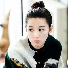 Jun jihyun 2017 Legend of the blue sea Korean Actresses, Asian Actors, Korean Actors, Actors & Actresses, Korean Dramas, Korean Beauty, Asian Beauty, Heo Joon Jae, Jun Ji Hyun Fashion