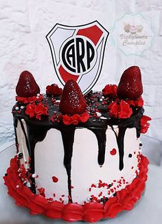 Party Rock, Bff Gifts, Cakes For Men, Drip Cakes, Cooking Time, Love Food, Birthday Cake, Sweets, Plates