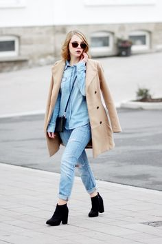 Denim on Denim Outfit, Camel Coat, Jeans, Denim Outfit, Streetstyle, bezauberndenana.de