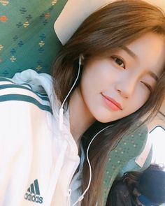 Image about girl in ulzzang by ley on We Heart It Find images and videos about girl, beautiful and grunge on We Heart It - the app to get lost in what you love.She is so pretty and cute 💕