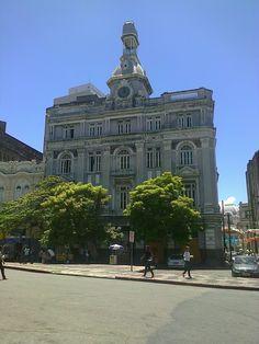 Prédio antigo do Diario de Pernambuco, fundado em 1885. Adquirido pelo governo do estado em 2003, atualmente está em completo abandono.   Está localizado na Praça da Independência, também conhecida como Praça do Diario.