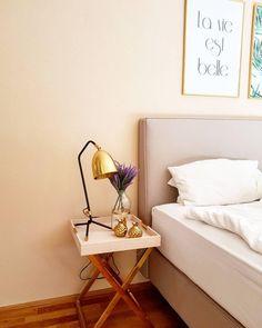 Der Holz Tablett Tisch Emma In Zartem Rosa Sorgt In Jedem Schlafzimmer Für  Einen Hauch Klassischer Eleganz. We Love It! // Schlafzimmer Rosa Pink Gold  ...