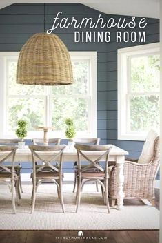 Farmhouse-chic is particularly relevant to modern interiors as it is both rustic and refined. Also, the look of farmhouse-chic can easily create a relaxed and cozy space. But how do you get your existing dining room to look farmhouse-chic? Find inspiration and decorating ideas to style your farmhouse dining room on the blog. #farmhousestyle #diningroom #farmhousedecor #rusticdecor #countrydecor #modernfarmhouse Farmhouse Style Kitchen, Farmhouse Chic, Farmhouse Design, Farmhouse Table, Dining Room Walls, Dining Room Design, Kitchen Design, Room Interior Design, Modern Interiors