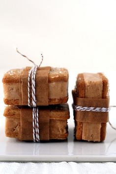 Pumpkin gingerbread ice cream sandwich - Love this for a Fall wedding!