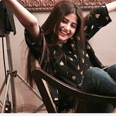 Do you think Aishwarya Rai is the most beautiful actress? Wait until you watch these Pakistani actresses. Pakistani Girl, Pakistani Actress, Pakistani Dresses, Mahira Khan Dresses, Beautiful Girl In India, Beautiful Ladies, Sajjal Ali, Prettiest Actresses, Stylish Girl Pic