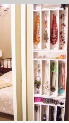 Use A Sliver wear Tray To Organize Your Jewelry