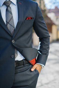 Usar ropa formal para las reuniones y centros de trabajo