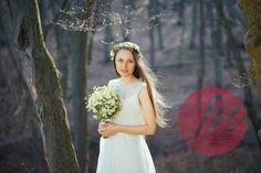 Model: Lena Kalisch Kleid: Heyday Blumen: Doll´s Blumen Fotografie: Freynoi, die Hochzeitsfotografinnen