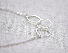 Bijoux délicat simple de Cumulus - remplis ou sterling cercle trois anneaux collier en or-
