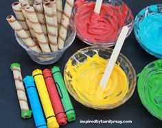 Easy edible crayons - They are so yummy and they're not made from pretzels or fondant!