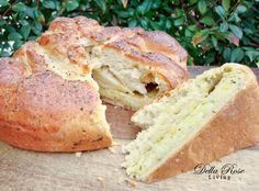 Garlic and Herb Muenster cheese bread - Della Rose Living