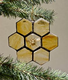 Stained Glass Ornaments, Stained Glass Christmas, Stained Glass Projects, Stained Glass Patterns, Stained Glass Art, Mosaic Glass, Fused Glass, Honeycomb Tile, Hexagon Tiles