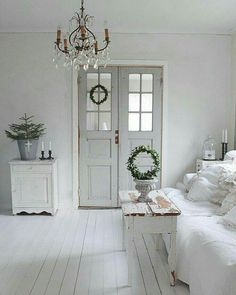 Swedish Decor Inspiration for Small Apartment - The Urban Interior - *linda* *spencer* - Swedish Decor Inspiration for Small Apartment - The Urban Interior Swedish Decor Ideas - Estilo Shabby Chic, Shabby Chic Decor, Bohemian Decor, Swedish Decor, Vibeke Design, White Rooms, Cottage Living, Home And Deco, White Houses
