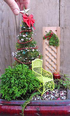 1000 ideas about miniature gardens on pinterest fairy for Batman fairy door