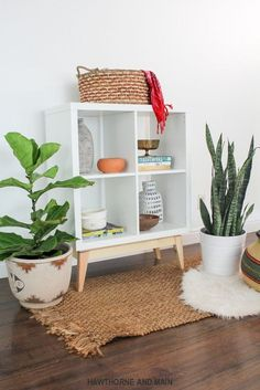 I love this IKEA hack! It has a really fun mid-century modern feel. The whole base is DIYed! awesome!