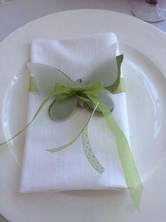 Segnaposto farfalla in stoffa con farfalla in carta mozzarella