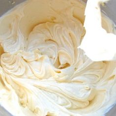 Crème Mousseline (German buttercream) I often call this ganache or truffle filling, and it is perfect for mille feuilles. Dog Recipes, Chef Recipes, Sweet Recipes, Dessert Recipes, Cooking Recipes, Cooking Videos, Buttercream Recipe, Frosting Recipes, Creme Dessert