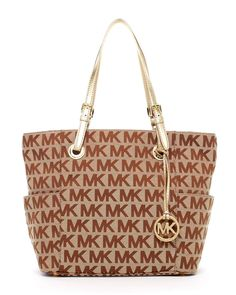 Michael Kors Jet Set Signature Tote- I love this bag Michael Kors Jet Set, Michael Kors Bags Outlet, Michael Kors Tote, Handbags Michael Kors, New Handbags, Replica Handbags, Mk Bags, New Bag, Tote Bag