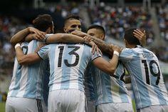 El equipo de Martino se impuso con goles de Lamela, Lavezzi y Cuesta, y terminó en el primer lugar del Grupo D de la Copa América