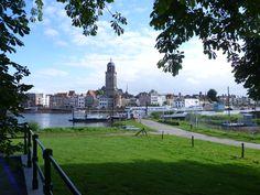 2013-09-15 Een wandeling bij Deventer moet traditiegetrouw afgesloten worden met een lekkere bak koffie bij het IJsselhotel met fraai uitzicht op Deventer