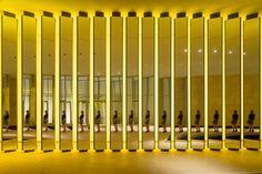 Studio Olafur Eliasson Fondation Louis Vuitton, Studio Olafur Eliasson, Infinity Mirror, Corporate Office Design, Light Installation, Frank Gehry, Mellow Yellow, Light Art, Wall Design