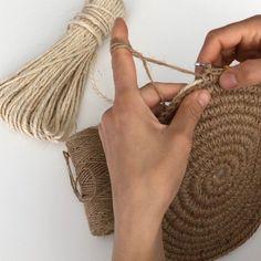 Natural Jute Twine Rope Cord, Non-Polished Gift Wrap, Packaging, eco-friendly hemp yarn 100 g 55 Lampe Crochet, Crochet Bowl, Crochet Round, Crochet Motif, Diy Crochet, Crochet Patterns, Hemp Yarn, Diy Backpack, Jute Twine