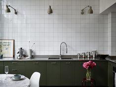 〚 Ground floor and second light: unique loft in Stockholm sqm) 〛 ◾ Photos ◾Ideas◾ Design Kitchen Paint, Kitchen Backsplash, New Kitchen, Kitchen Cabinets, Kitchen Interior, Kitchen Decor, Kitchen Design, Kitchen Colour Schemes, Kitchen Colors