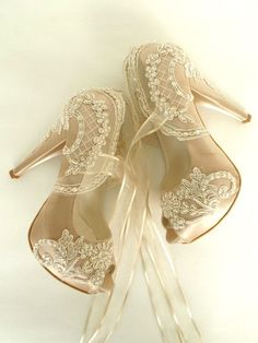 15 Shoes To Wear Everyday and Stay Attractive and Fresh Wedding Shoes – Champagne Embroidered Lace Bridal Shoes The Best of shoes trends in Lace Bridal Shoes, Bride Shoes, Bridal Heels, Purple Bridal Shoes, Platform Bridal Shoes, Wedding Boots, Wedding Heels, Lace Wedding, Casual Wedding