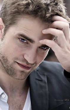Love this pic of Rob Pattinson. He's a good actor and wonderful musician...love his music. CANNES_2012_COSMOPOLIS_PHOTOCALL