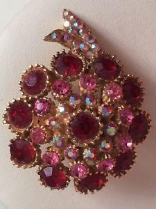 Stunning Red & Pink Stone Costume Jewellery Gold Tone Brooch  | eBay Antique Jewelry, Gold Jewelry, Jewellery, Vintage Costume Jewelry, Vintage Costumes, Pink Stone, Red And Pink, Vintage Antiques, Brooch