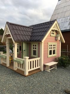 Этот домик построили мы с мужем для нашей младшей дочери Cool Dog Houses, Cubby Houses, Play Houses, Backyard Playhouse, Backyard Sheds, Woodland House, Wendy House, Outdoor Play Spaces, Tadelakt