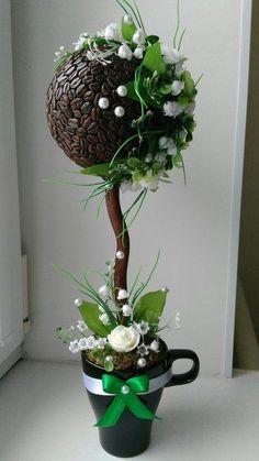 ПОДБОРКИ ТОПИКОВ НА РАЗНУЮ ТЕМАТИКУ И ЦВЕТ | ТОПИАРИИ СВОИМИ РУКАМИ Hobbies And Crafts, Diy And Crafts, Arts And Crafts, String Balloons, Coffee Bean Art, Topiary Centerpieces, Teacup Crafts, Coffee Shop Design, Coffee Crafts