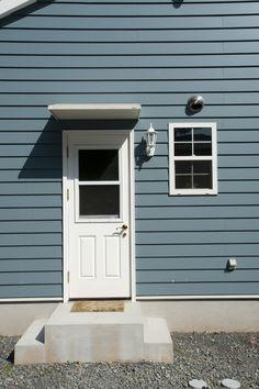 勝手口/ブルースホーム小倉 Decor, Outdoor Decor, House, Home, Garage Doors, Story House, Entry, Doors