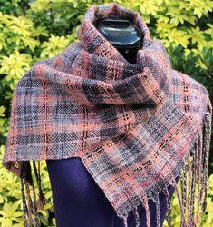 Écharpe tissée en laine, étole fait main, écharpe tour de cou, châle marron  gris pêche df1de80e478