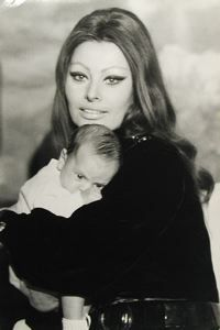 Sophia Loren and her Son, Tazio Secchiaroli, circa 1966, silver print, 11 3/4 in. x 7 3/4 in. Currier Museum of Art.
