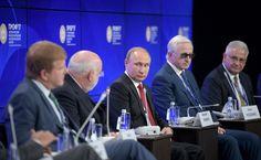 Встреча с представителями российского и американского бизнеса   Владимир Путин принял участие в панельной дискуссии «Бизнес-диалог Россия – США». Встреча состоялась в рамках Петербургского международного экономического форума.   2 июня 2017 года 13:30   http://www.kremlin.ru/events/president/news/54665/photos