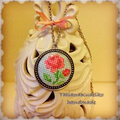 Hey, I found this really awesome Etsy listing at https://www.etsy.com/ru/listing/221656861/pendand-necklace-crossstich-rose