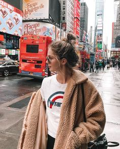 New travel photography girl nyc 40 Ideas Estilo Ny, Pic Tumblr, Fall Tumblr, Tumbrl Girls, Foto Casual, Nyc, Ootd, Girls Life, Wabi Sabi