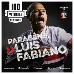 22.04.2015 - Luis Fabiano alcança 100 vitórias no Morumbi defendendo o São Paulo